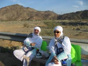 istirahat dalam perjalanan Mina-Arafah